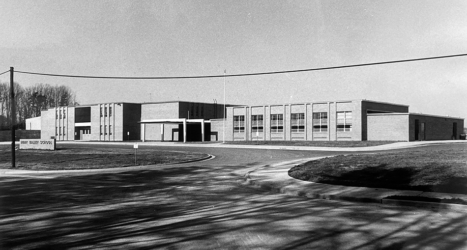 Black and white photograph of Hunt Valley Elementary School taken in 1969.